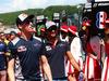 GP RUSSIA, 30.04.2017 - Daniil Kvyat (RUS) Scuderia Toro Rosso STR12 e Carlos Sainz Jr (ESP) Scuderia Toro Rosso STR12