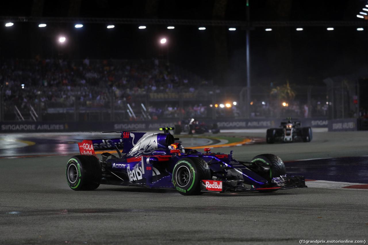 GP SINGAPORE, 17.09.2017 - Gara, Carlos Sainz Jr (ESP) Scuderia Toro Rosso STR12