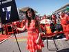 GP STATI UNITI, 22.10.2017 - Gara, griglia Ragazza e Kimi Raikkonen (FIN) Ferrari SF70H
