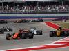 GP STATI UNITI, 22.10.2017 - Gara, Fernando Alonso (ESP) McLaren MCL32 e Carlos Sainz Jr (ESP) Renault Sport F1 Team RS17