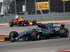 GP STATI UNITI, 22.10.2017 - Gara, Valtteri Bottas (FIN) Mercedes AMG F1 W08 davanti a Daniel Ricciardo (AUS) Red Bull Racing RB13