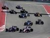 GP STATI UNITI, 22.10.2017 - Gara, Daniil Kvyat (RUS) Scuderia Toro Rosso STR12 e Sergio Perez (MEX) Sahara Force India F1 VJM010