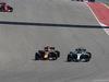 GP STATI UNITI, 22.10.2017 - Gara, Daniel Ricciardo (AUS) Red Bull Racing RB13 e Valtteri Bottas (FIN) Mercedes AMG F1 W08