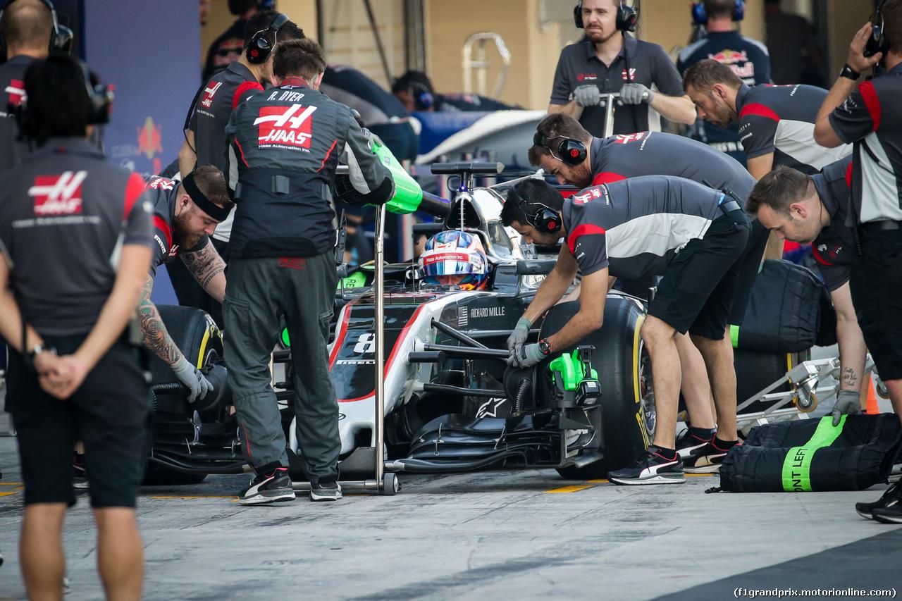 TEST ABU DHABI 28 NOVEMBRE, Romain Grosjean (FRA) Haas F1 Team VF-17. 28.11.2017.