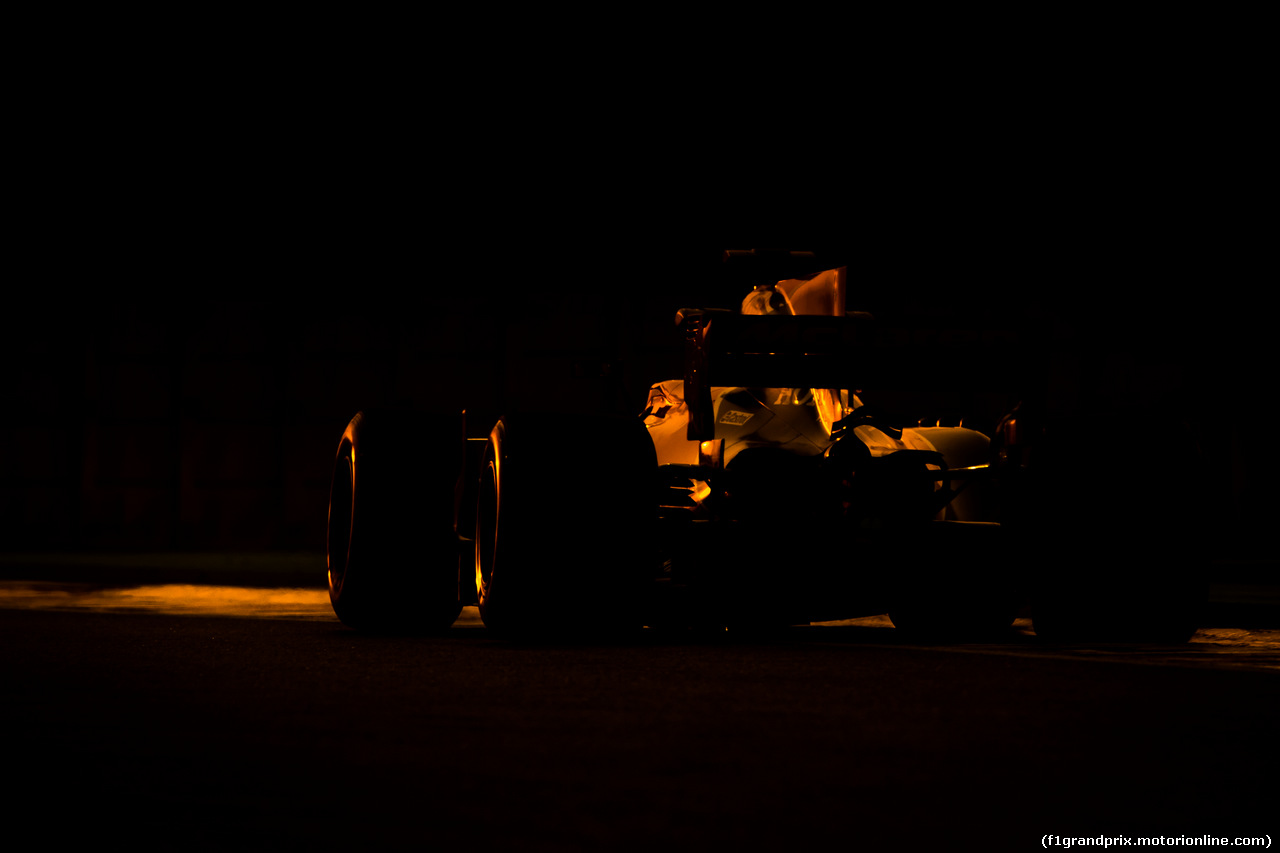 TEST ABU DHABI 28 NOVEMBRE, Fernando Alonso (ESP) McLaren MCL32.28.11.2017.
