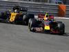 TEST F1 ABU DHABI 29 NOVEMBRE, Max Verstappen (NLD) Red Bull Racing e Carlos Sainz Jr (ESP) Renault F1 Team  29.11.2017.