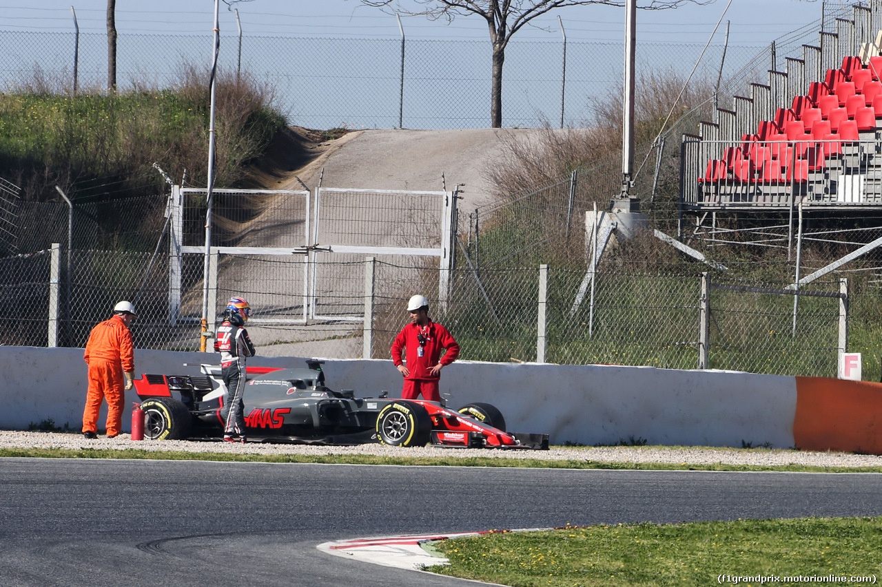 TEST F1 BARCELLONA 10 MARZO, Romain Grosjean (FRA) Haas F1 Team VF-17 off the circuit. 10.03.2017.