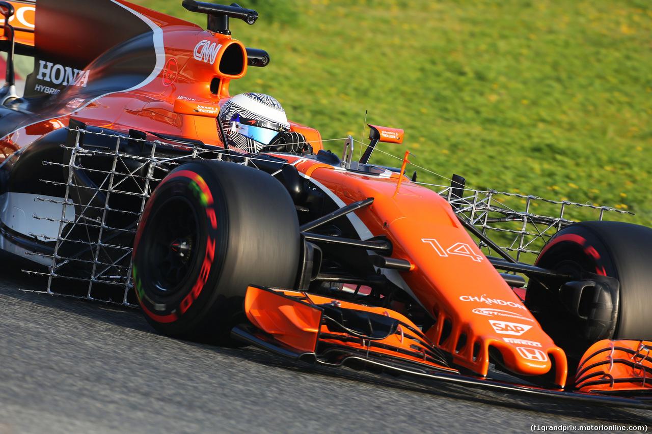TEST F1 BARCELLONA 27 FEBBRAIO, Fernando Alonso (ESP) McLaren MCL32 running sensor equipment. 27.02.2017.