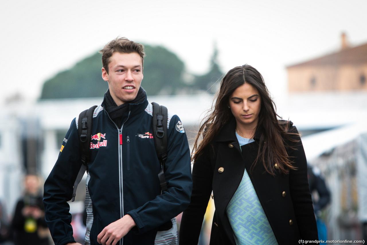 TEST F1 BARCELLONA 8 MARZO, Daniil Kvyat (RUS) Scuderia Toro Rosso e his girlfrined Kelly Piquet 08.03.2017.