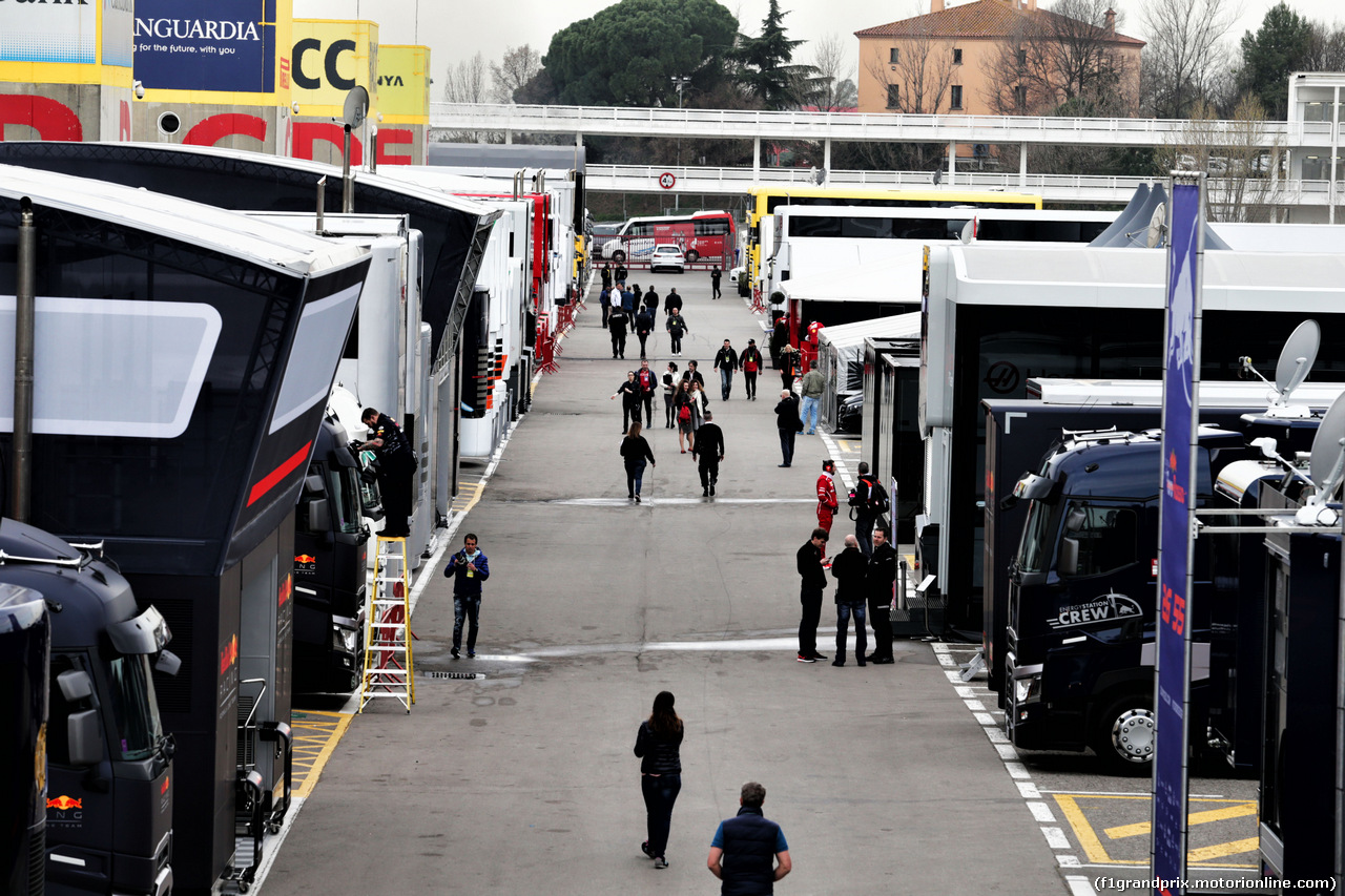 TEST F1 BARCELLONA 8 MARZO, The paddock. 08.03.2017.