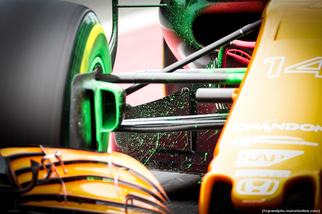 TEST F1 BARCELLONA 8 MARZO, Flow-vis paint on the McLaren MCL32 of Fernando Alonso (ESP) McLaren. 08.03.2017.