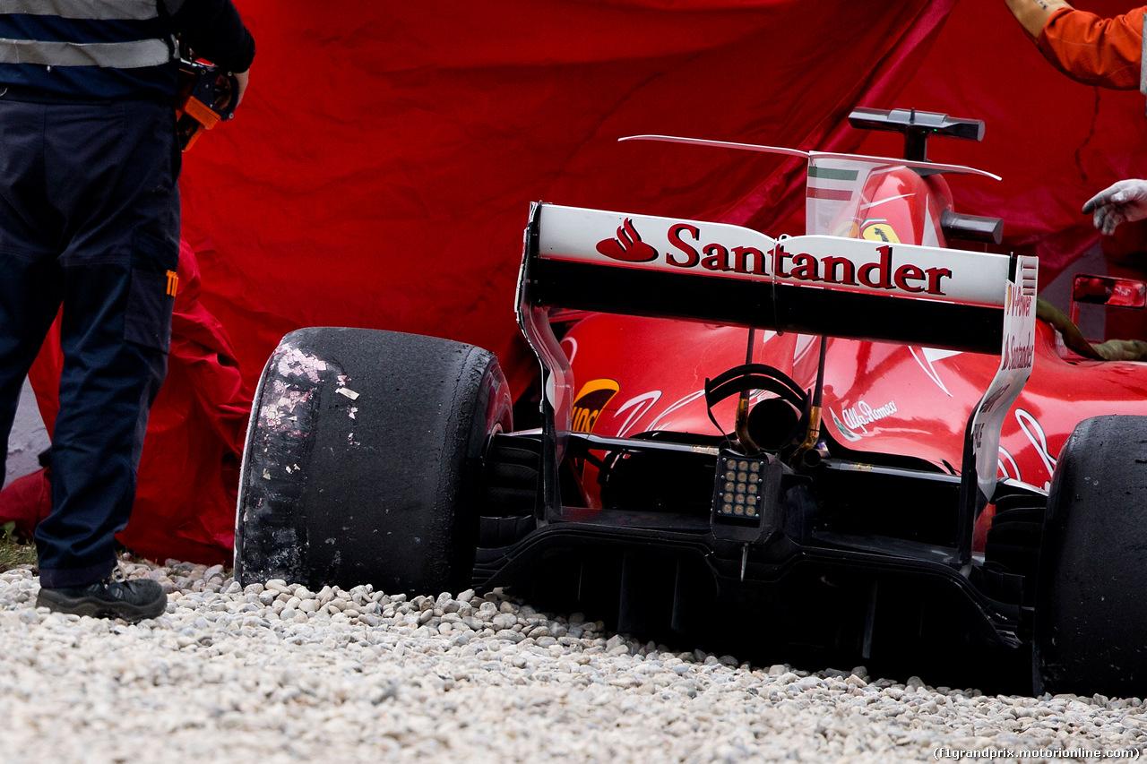 TEST F1 BARCELLONA 8 MARZO, The crashed Ferrari SF70H of Kimi Raikkonen (FIN) Ferrari. 08.03.2017.