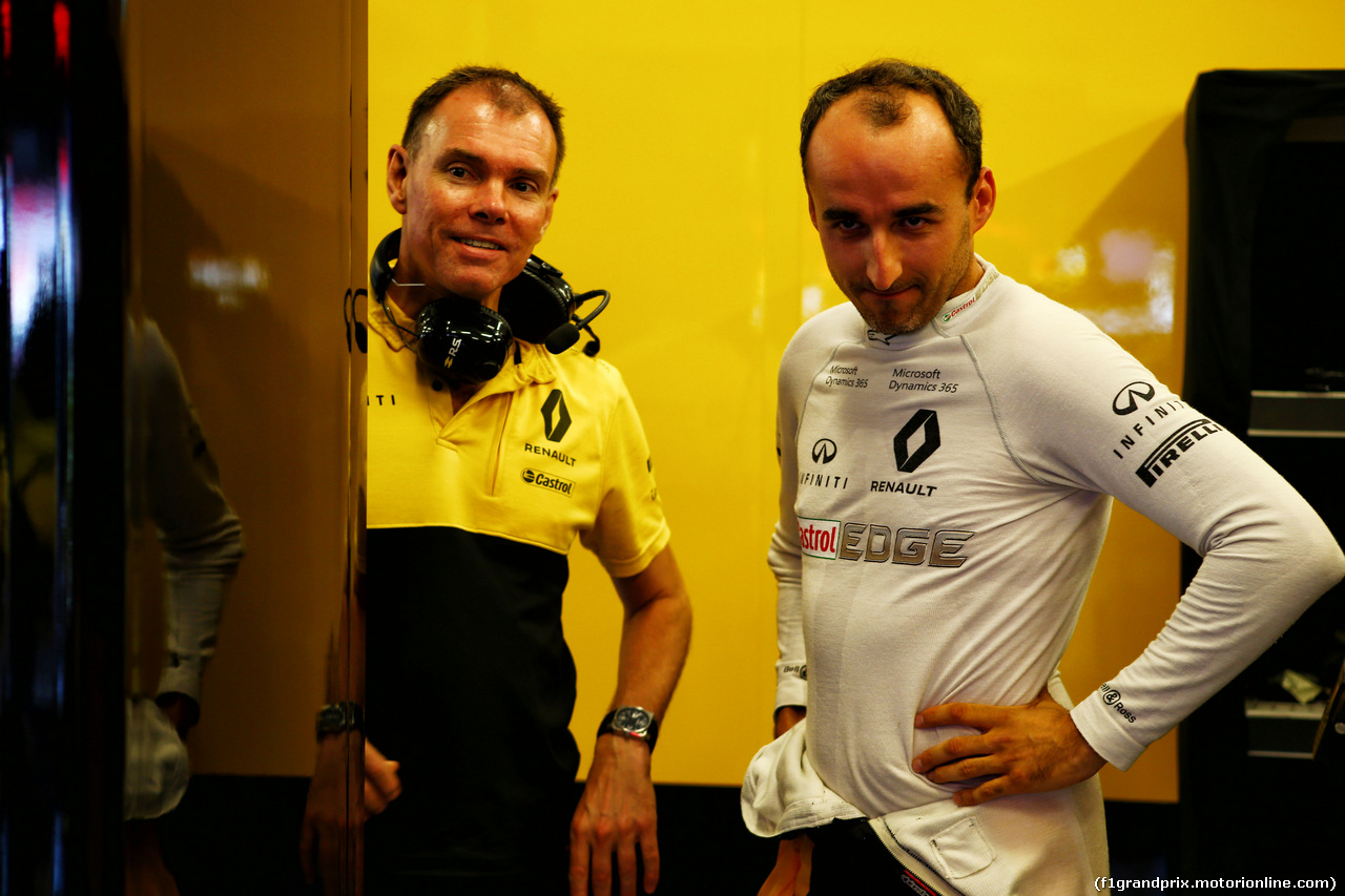 TEST F1 BUDAPEST 02 AGOSTO, Robert Kubica (POL) Renault Sport F1 Team Test Driver with Alan Permane (GBR) Renault Sport F1 Team Trackside Operations Director. 02.08.2017.