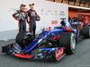 TORO ROSSO STR12, 26.02.2017 - Carlos Sainz Jr (ESP) Scuderia Toro Rosso STR12 e Daniil Kvyat (RUS) Scuderia Toro Rosso STR12