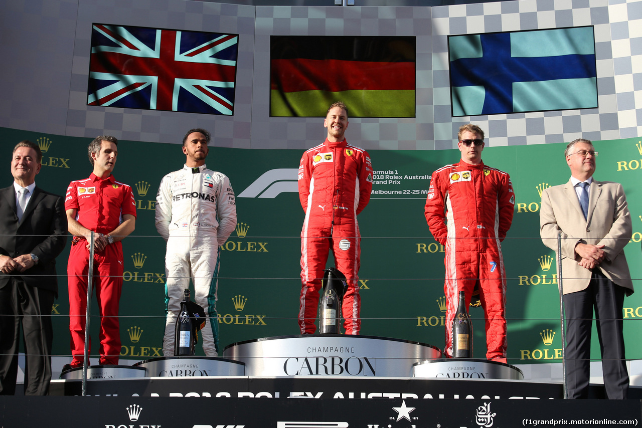 GP AUSTRALIA, 25.03.2018 - Gara, 1st place Sebastian Vettel (GER) Ferrari SF71H, 2nd place Lewis Hamilton (GBR) Mercedes AMG F1 W09 e 3rd place Kimi Raikkonen (FIN) Ferrari SF71H
