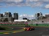 GP AUSTRALIA, 25.03.2018 - Gara, Kimi Raikkonen (FIN) Ferrari SF71H davanti a Daniel Ricciardo (AUS) Red Bull Racing RB14
