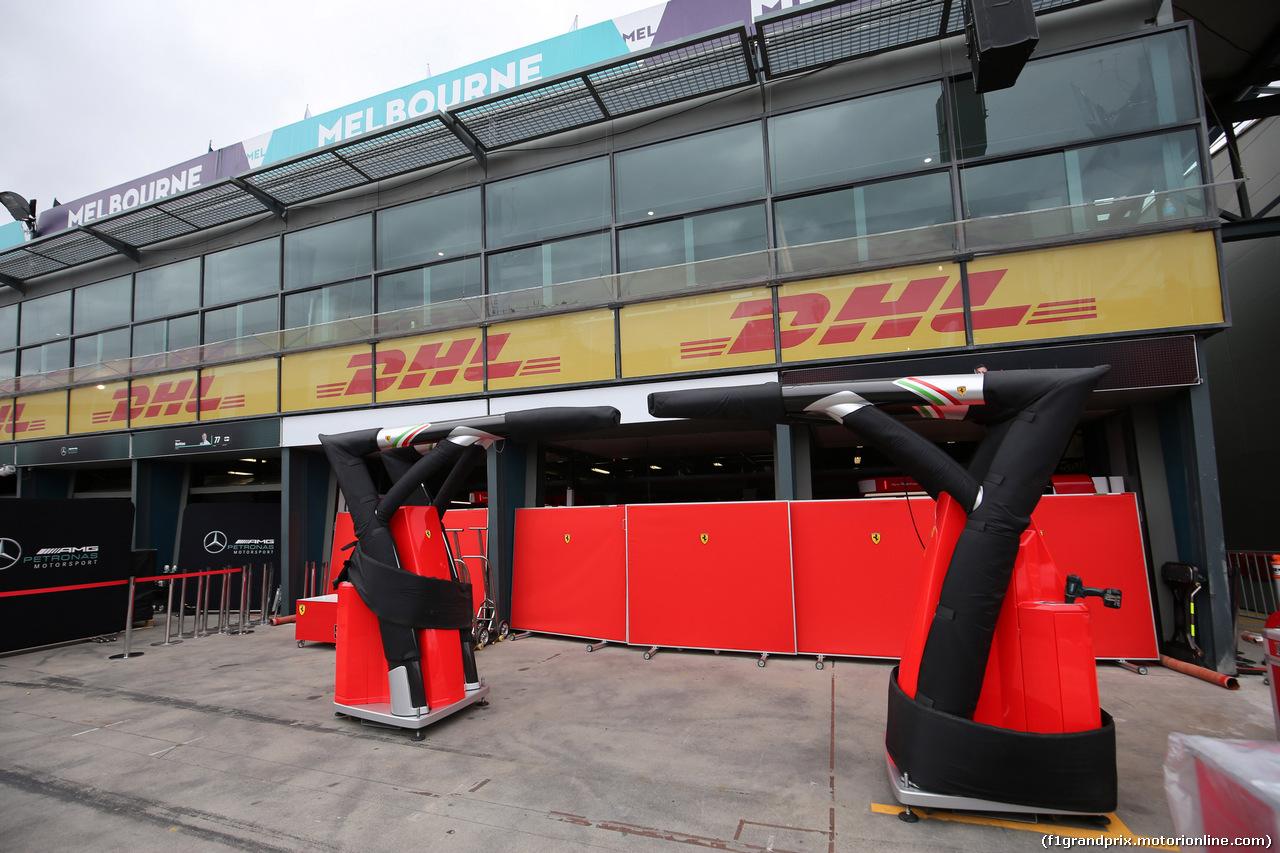 GP AUSTRALIA, 21.03.2018 - Ferrari garage