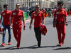 GP AZERBAIJAN, 26.04.2018 - (L-R) Antonio Giovinazzi (ITA), Riccardo Adami (ITA) Ferrari Gara Engineer, Sebastian Vettel (GER) Ferrari SF71H e Edoardo Brosco (ITA) Ferrari F1 – Track Engineer