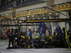 GP BAHRAIN, 08.04.2018 - Gara, Pit stop, Carlos Sainz Jr (ESP) Renault Sport F1 Team RS18