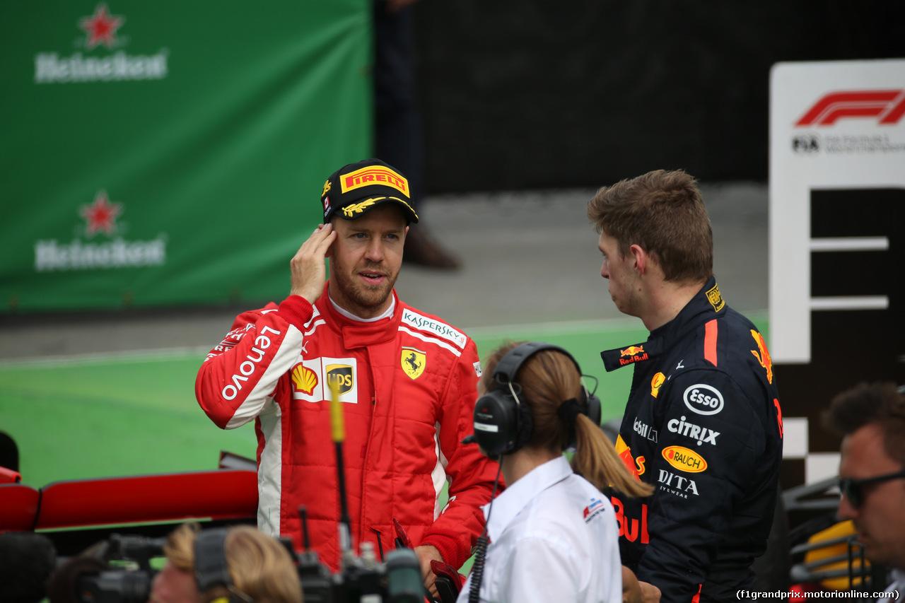 GP CANADA, 10.06.2018- Gara, Sebastian Vettel (GER) Ferrari SF71H e Max Verstappen (NED) Red Bull Racing RB14 in Parc ferme