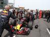 GP CINA, 15.04.2018- partenzaing grid, Daniel Ricciardo (AUS) Red Bull Racing RB14