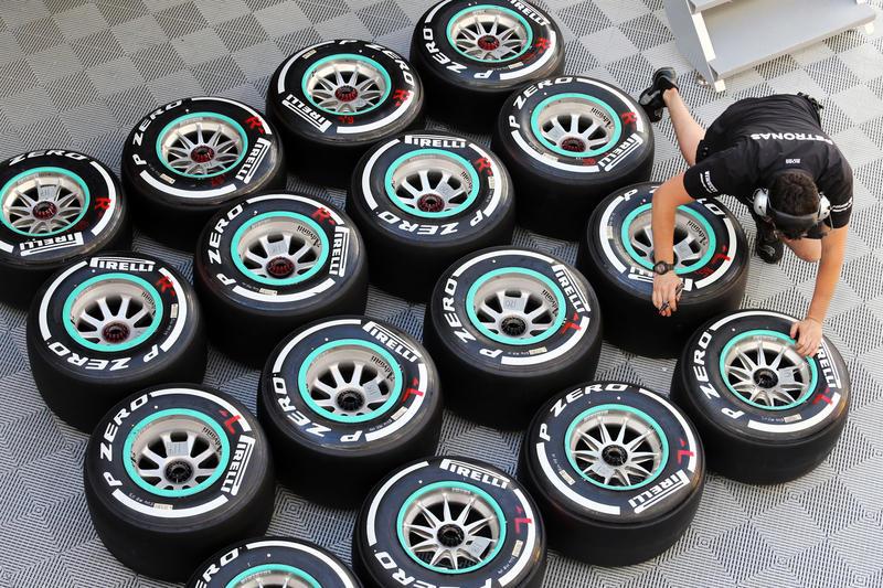 pirelli_tyres.jpg