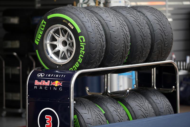 F1 – Pirelli, test per le gomme da bagnato