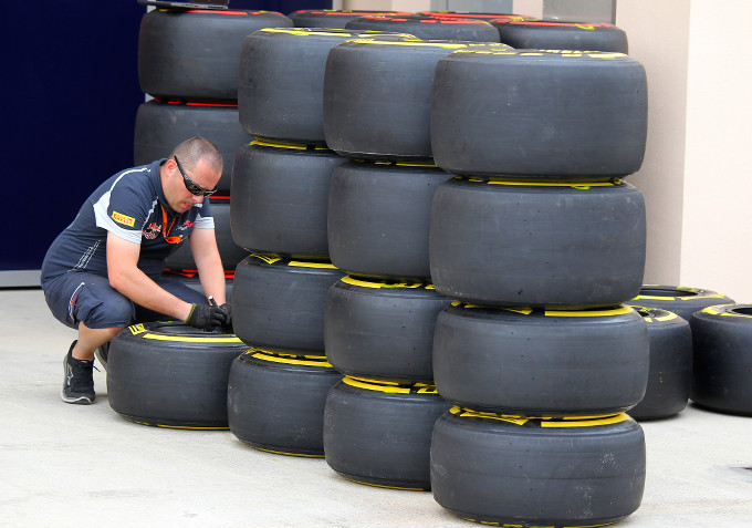 """Paul Hembery, direttore motorsport Pirelli: """"Forse tre soste per la maggior parte dei piloti"""""""