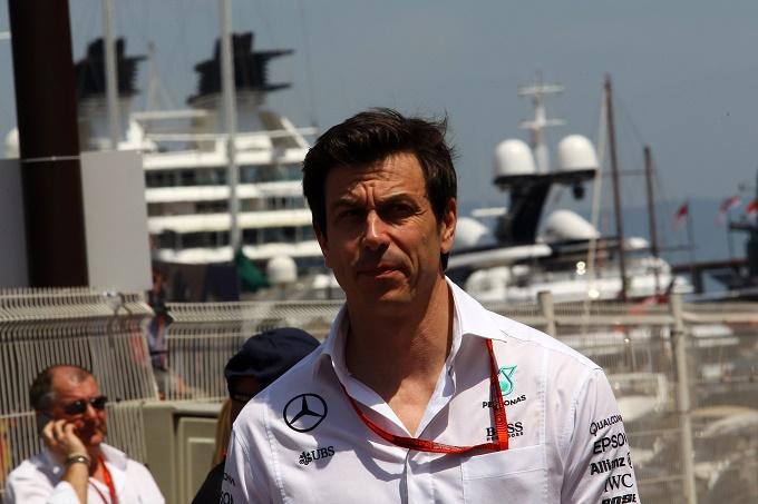 """Mercedes, Toto Wolff: """"Temiamo la Red Bull"""""""