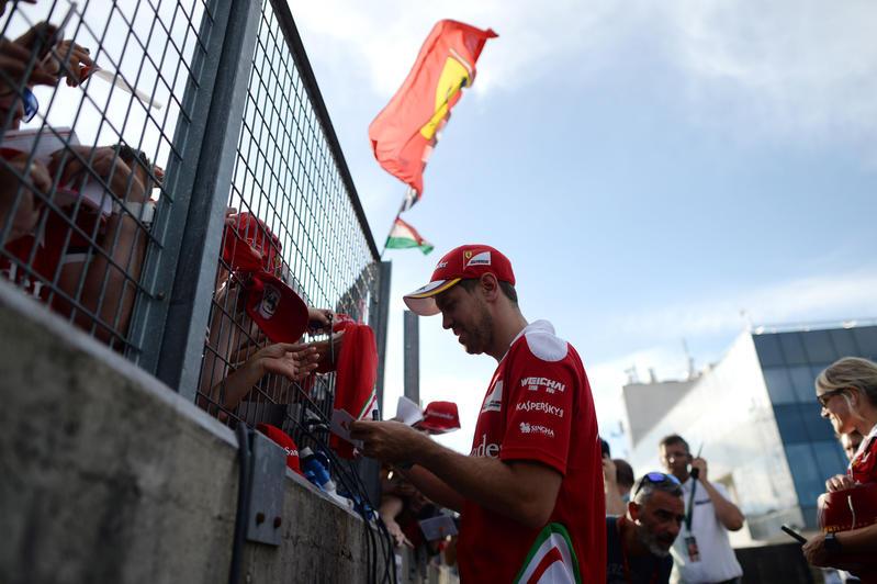 F1 Ferrari, Arrivabene accusa: