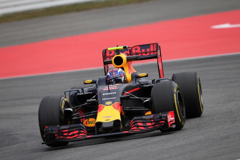 In Germania solito Hamilton davanti alla Red Bull