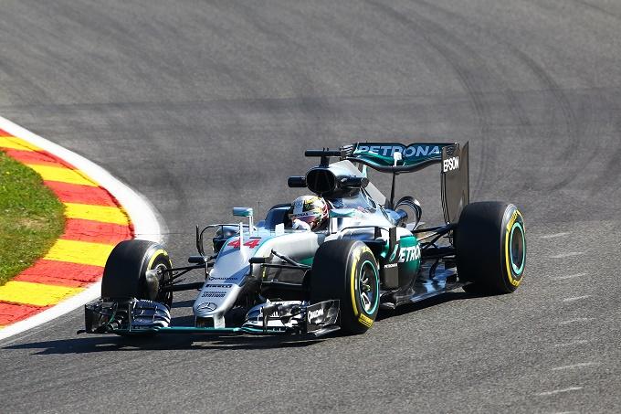 A SPA Lewis Hamilton parte in salita