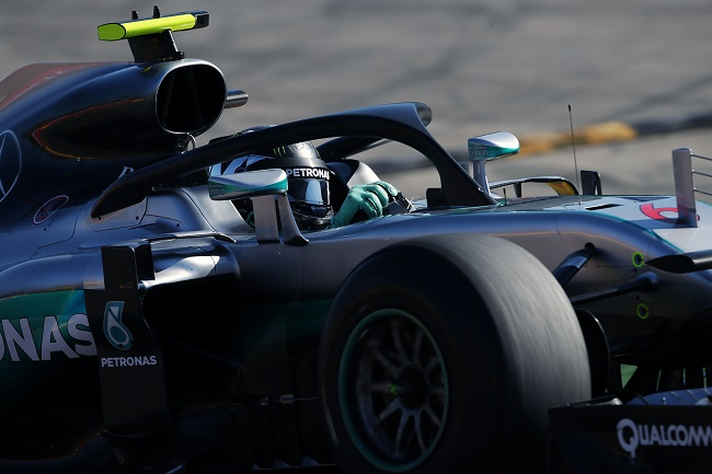 Foto: Mercedes, Red Bull, Force India e Toro Rosso testano Halo