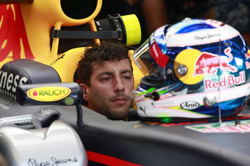 F1, a Monza pole position di Hamilton su Rosberg, seconda fila Ferrari