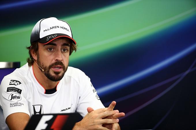 Alonso attacca la Ferrari: