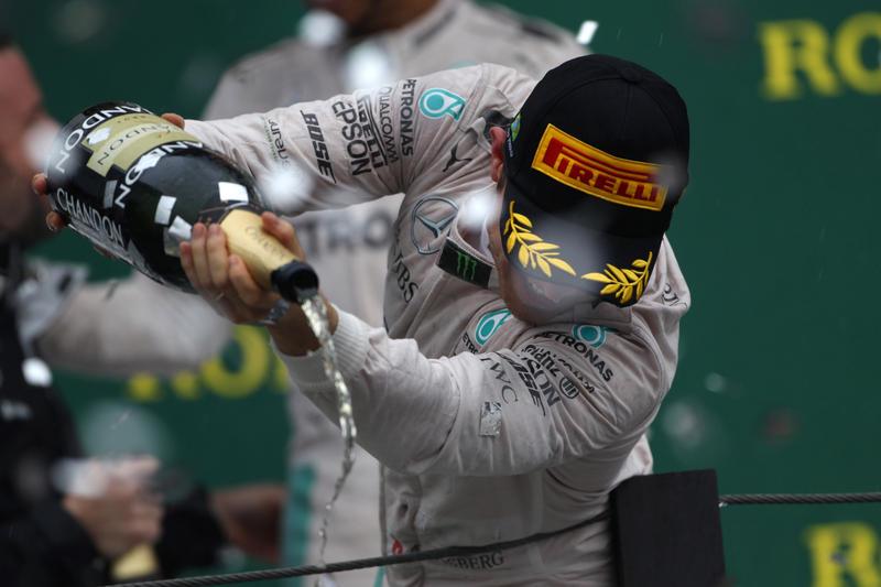 F1: Brasile, vince Hamilton poi Rosberg