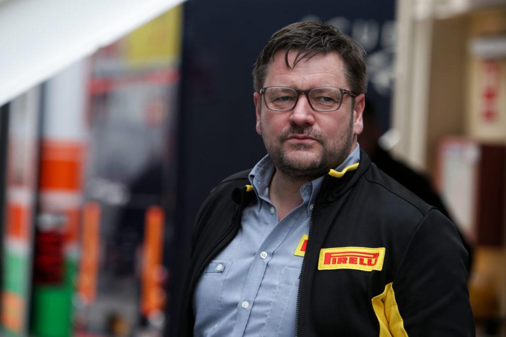F1 | Hamilton promuove le nuove gomme Pirelli da battaglia