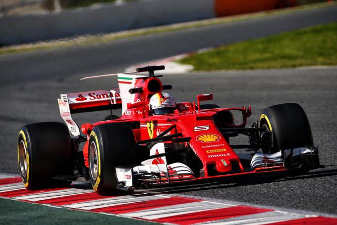 """Vettel: """"La Ferrari può tornare a vincere, tutto il team sta dando il massimo"""""""