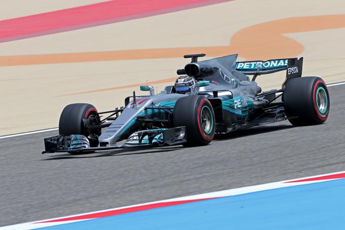 F1 | Test in Bahrain, seconda giornata: Bottas davanti al mattino, problemi per Vettel
