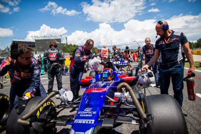 """F1   Toro Rosso, Sainz: """"Birra e prosciutto per tutto il mio team!"""""""