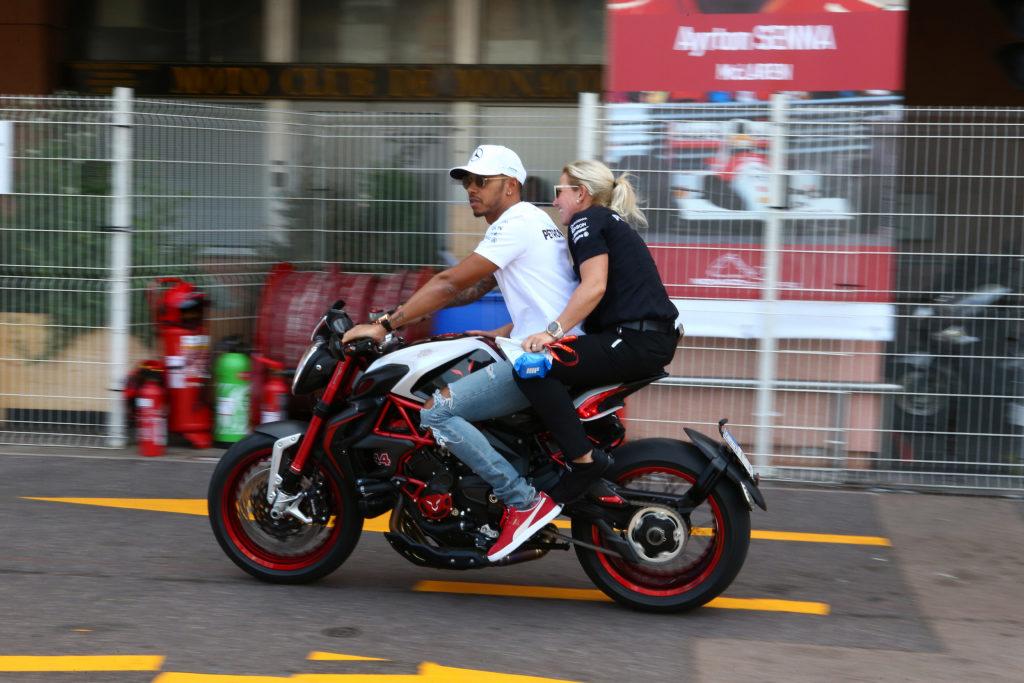 F1, a Monaco volano le Ferrari: pole position di Raikkonen, secondo Vettel