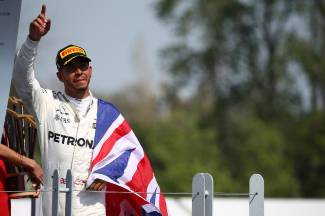 Azerbaigian, Hamilton in pole position: terzo Raikkonen, Vettel è quarto