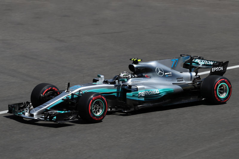 Gp Azerbaijan, Hamilton in pole, Ferrari in seconda fila