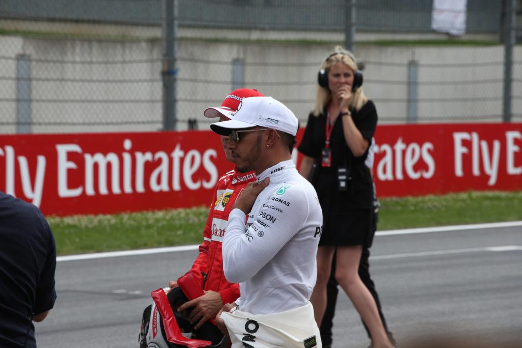Hamilton deve vincere a Silverstone, Vettel controlla
