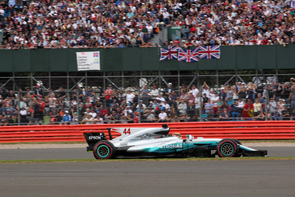 F1 GP Gran Bretagna, Gara: Hamilton vince e si rilancia nel mondiale. Sfortuna Ferrari