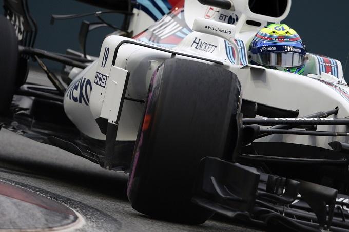 Gp Singapore, il ferrarista Vettel ottiene la pole position: Hamilton quinto