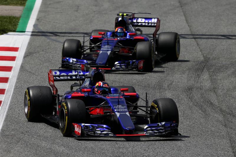 "F1 | Toro Rosso, Sainz: ""Singapore? Lunga, stretta e faticosa"""
