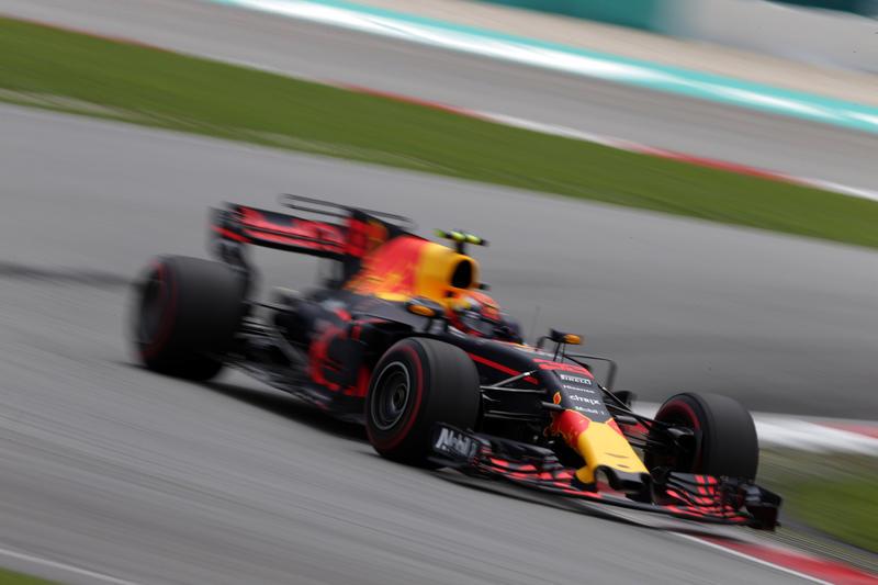 F1 GP Malesia: Verstappen vince davanti a Hamilton