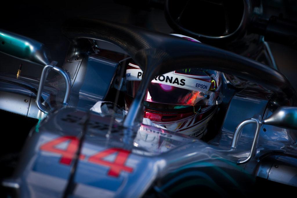 Ferrari, il trionfo al debutto a Melbourne: Vettel frega Hamilton, terzo Raikkonen