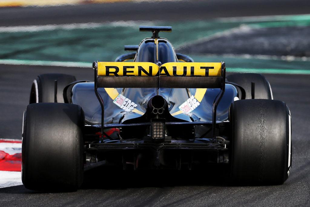 Formula 1 | Scoppia la prima polemica del 2018: Renault al limite con gli scarichi?